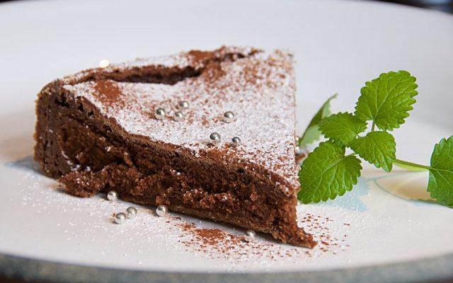 Riktigt fransk kladdig chokladtårta