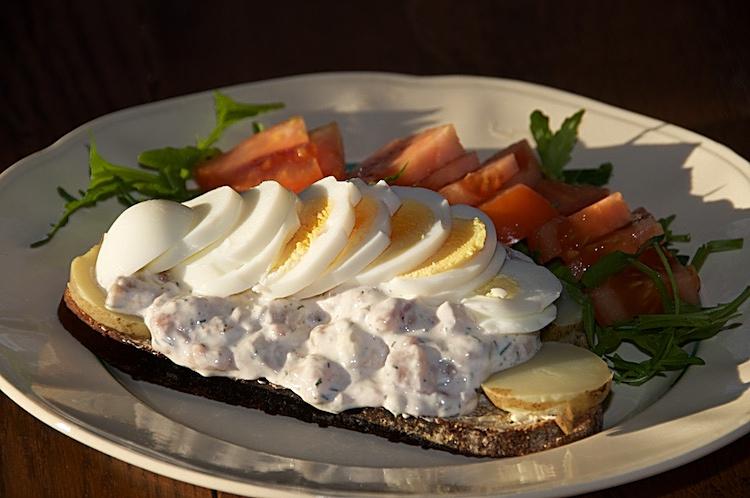 Snabba sillmackan med potatis och ägg