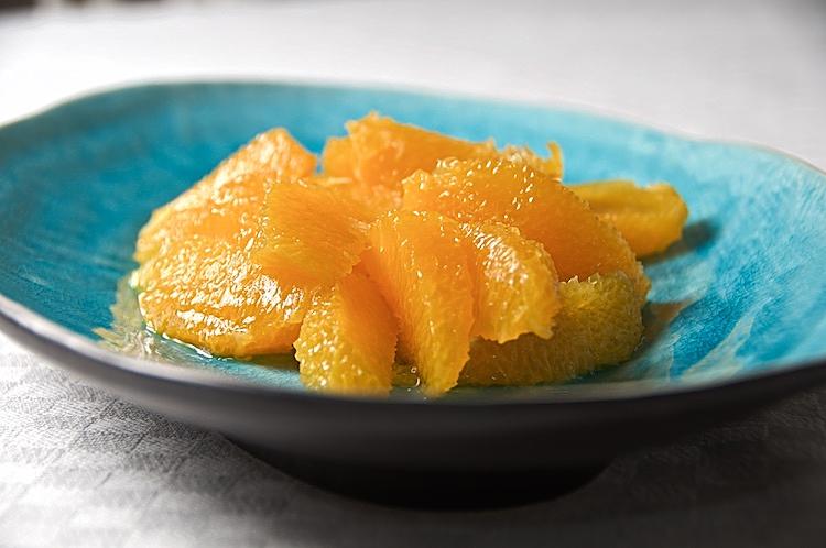 Apelsinsallad med Grand Marnier och vaniljglass eller grädde